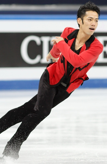 Daisuke Takahashi at the 2012-13 Grand Prix Final of Figure Skating