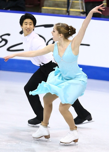 Madeline Edwards and ZhaoKai Pang perform their free dance at the 2013 Canadian National Figure Skating Championships.